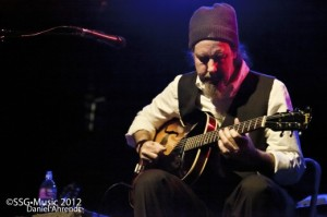 Sir-Richard-Bishop-at-the-Triple-Door-3-22-12-SSG-520x346